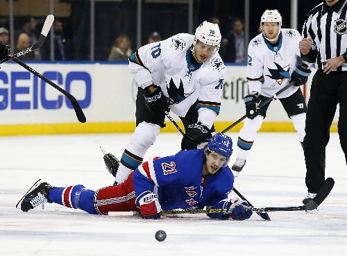 Surging Rangers edge Sharks behind rookie goalie