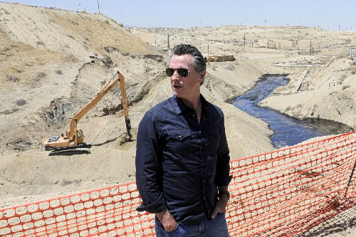 California puts brakes on fracking permits in oil crackdown