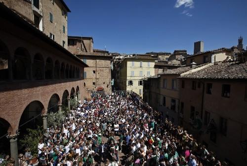 Palio of Siena Bareback Horse Race: Photos