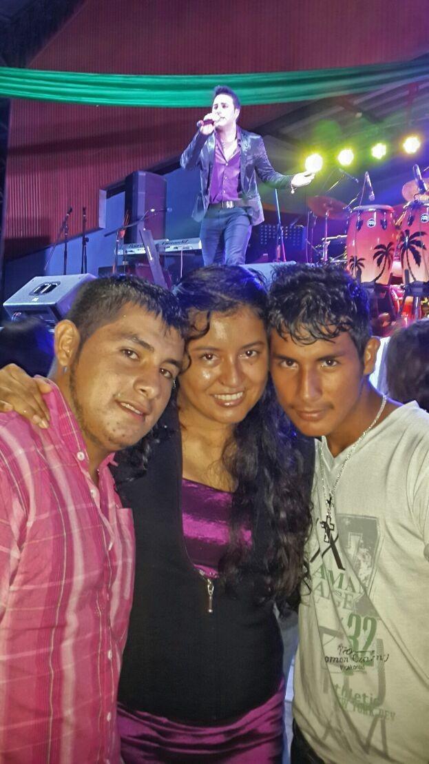 Mis grandes amigos en el concierto del Américo falseta