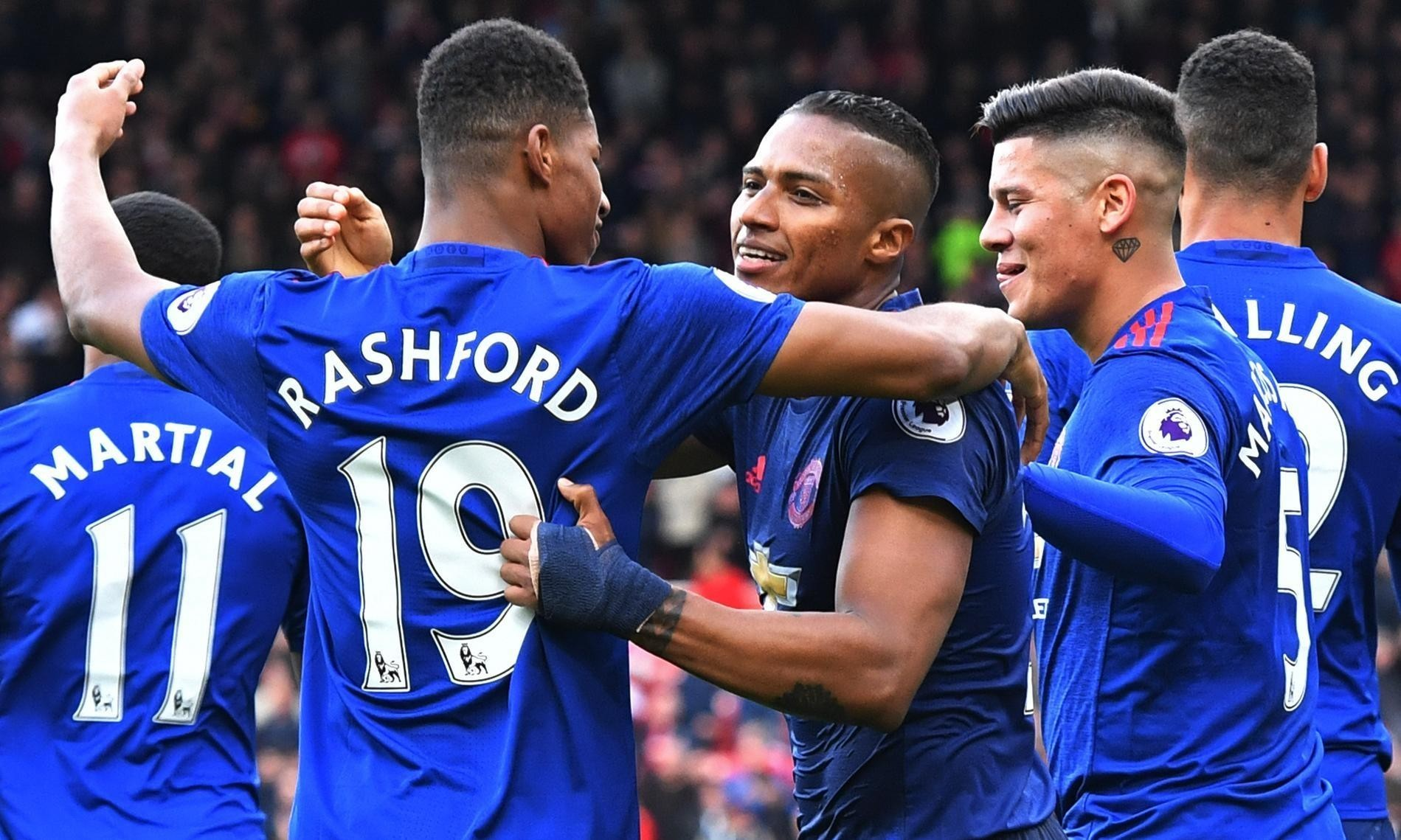 Antonio Valencia seals win for Manchester United over Middlesbrough