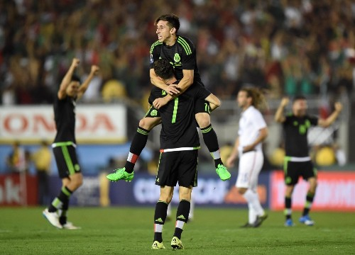 Mexico Wins a Soccer Thriller Against the USA: Pictures
