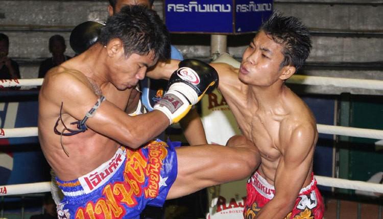 Thai Boxkicking.