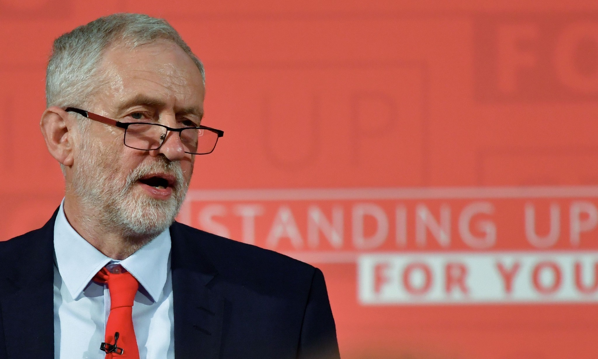 Labour focuses on pupils 'crammed into classrooms like sardines'
