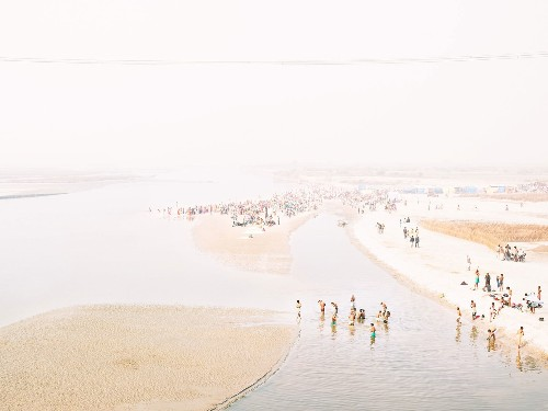 A Dreamy, Photographic Pilgrimage Along the Ganges River