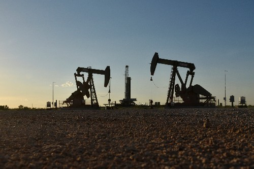 Oil prices hit 2019 highs after U.S. says to end all Iran sanction waivers