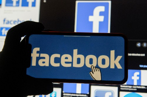 Facebook to publicly track political sponsored content after Bloomberg's paid memes
