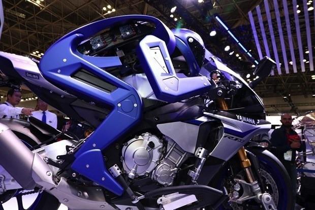 Yamaha's motorbike robot wants to beat Valentino Rossi