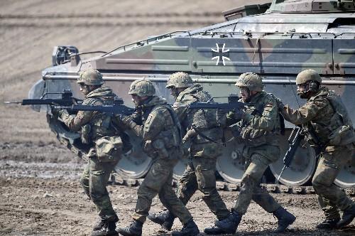 Regierung rechnet mit Investitionen über 650 Mio Euro in Nato-Standorte