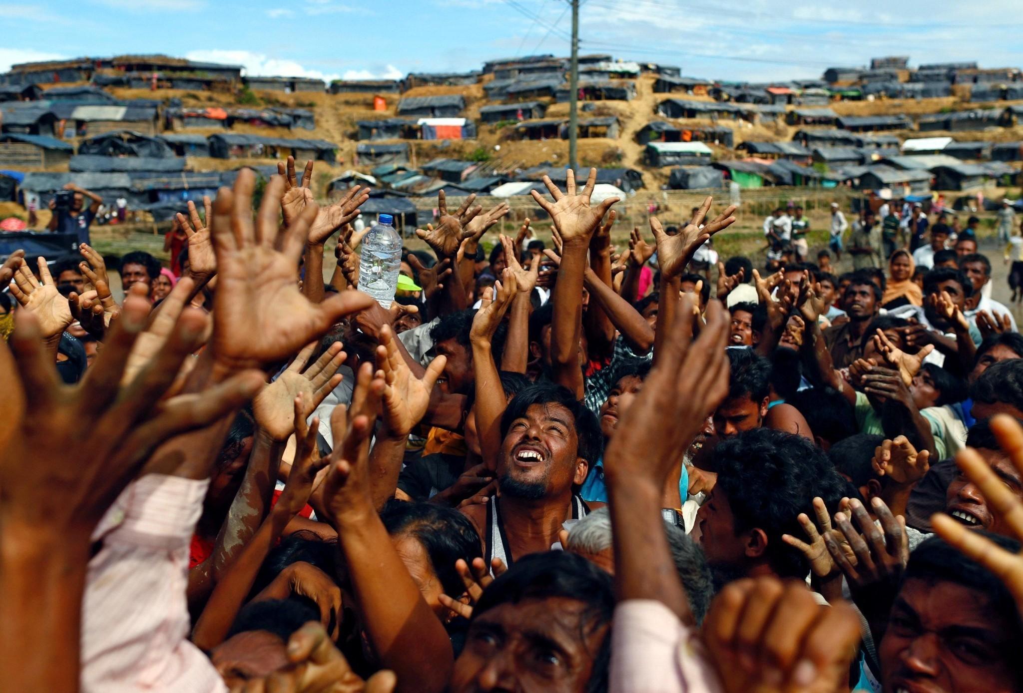 'Humanitarian catastrophe' unfolding as Myanmar takes over aid efforts in Rakhine state