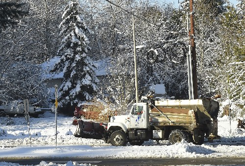 More snow for storm-buried Pacific Northwest