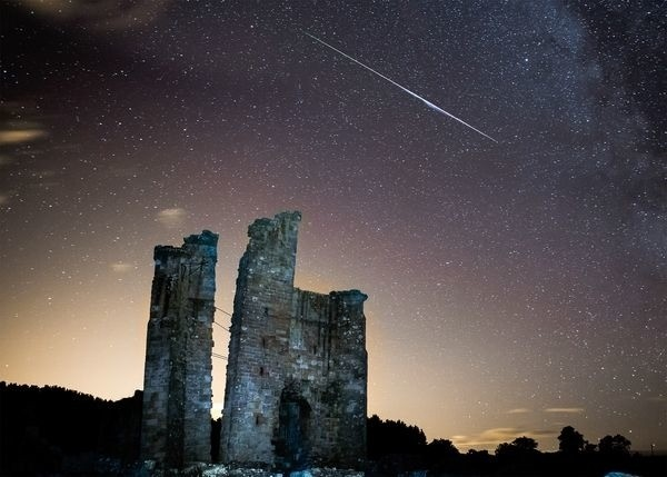 Meteors and Moon Glow Vie for Attention Tuesday Night