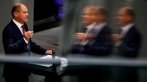 Scholz hält sich mit Italien-Kritik betont zurück