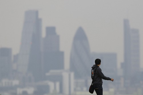 Britain must commit to carbon capture to meet climate goals: lawmakers