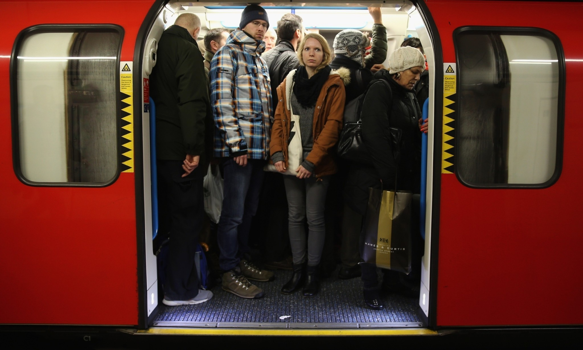 How does commuting affect wellbeing?