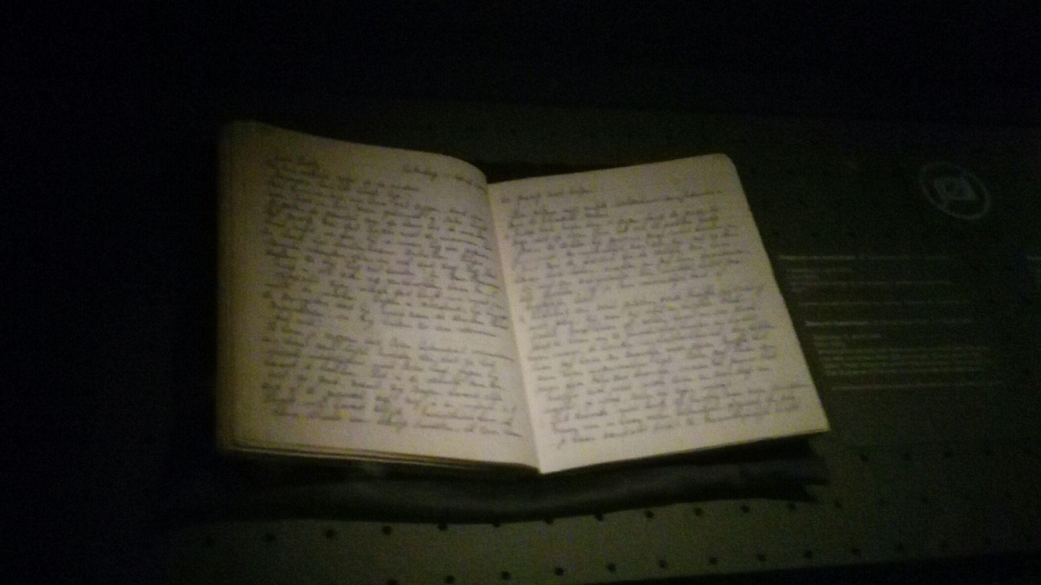 Originale de Il Diario di Anne Frank. Tecnologia e scenografia al servizio di memoria storica e pathos. Impossibile in Italia