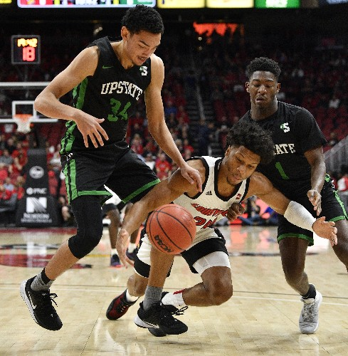 No. 2 Louisville holds off South Carolina Upstate