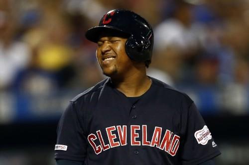 MLB notebook: Indians lose 3B Ramirez with broken bone