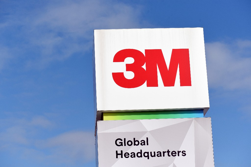 3M profit beats on healthcare boost; says demand for N95 masks to continue