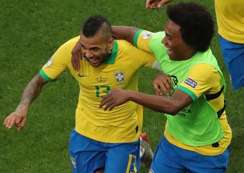 Soccer: Dani Alves to depart PSG, destination unknown