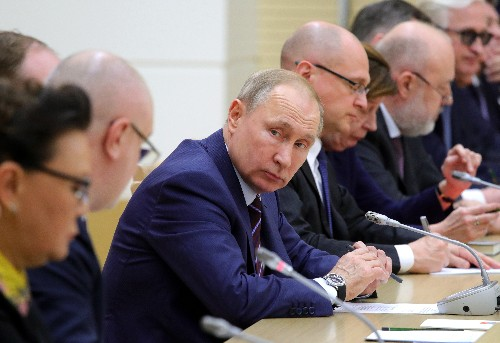 Putin fast-tracks effort to extend his rule in Russia