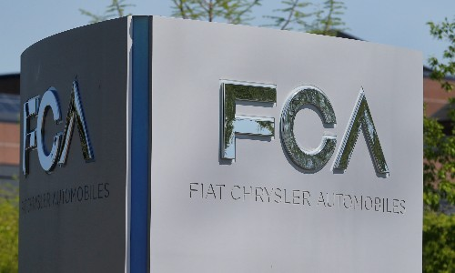 Fiat Chrysler in talks to forge extensive ties with Renault - Financial Times