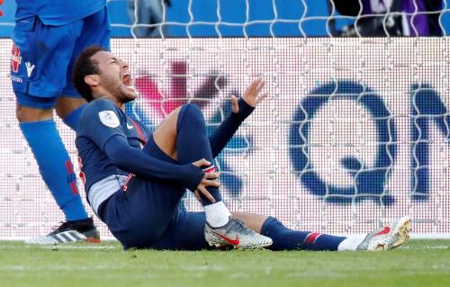 Soccer: Neymar hits half-century as PSG are held by Nice
