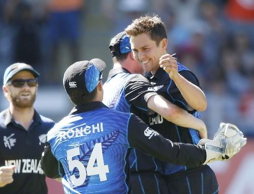 New Zealand defeats Australia at Cricket World Cup