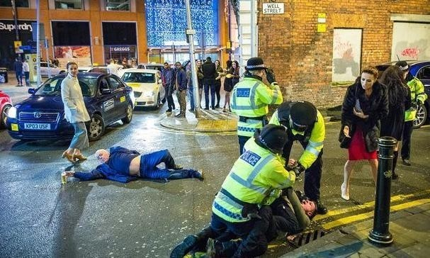 'Like a beautiful painting': image of New Year's mayhem in Manchester goes viral