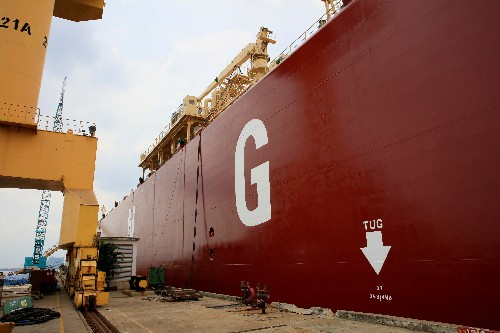 LNG prices seen wallowing at 10-year seasonal lows by year end: traders