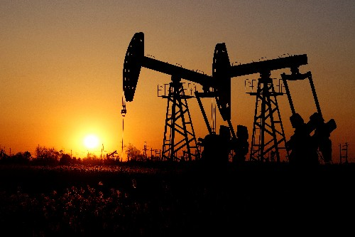 Oil prices drop amid demand worries, but U.S.-Iran tensions support