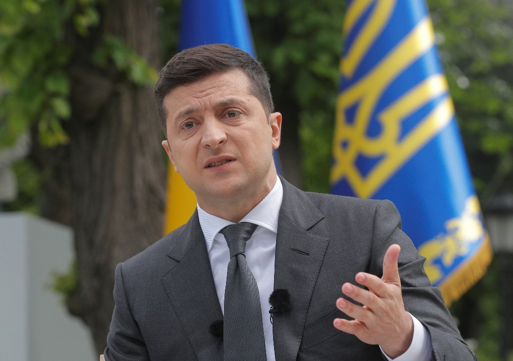 Ukraine president says Kyiv staying out of U.S. internal politics, elections