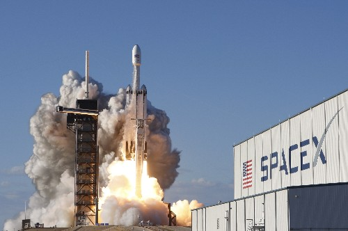 Musk's SpaceX sues U.S. Air Force over rocket-building contracts - filings