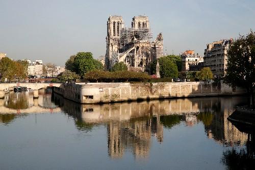 Notre-Dame: Pas de défiscalisation pour LVMH et la famille Arnault