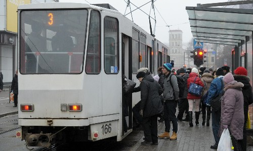 The Tallinn experiment: what happens when a city makes public transport free?