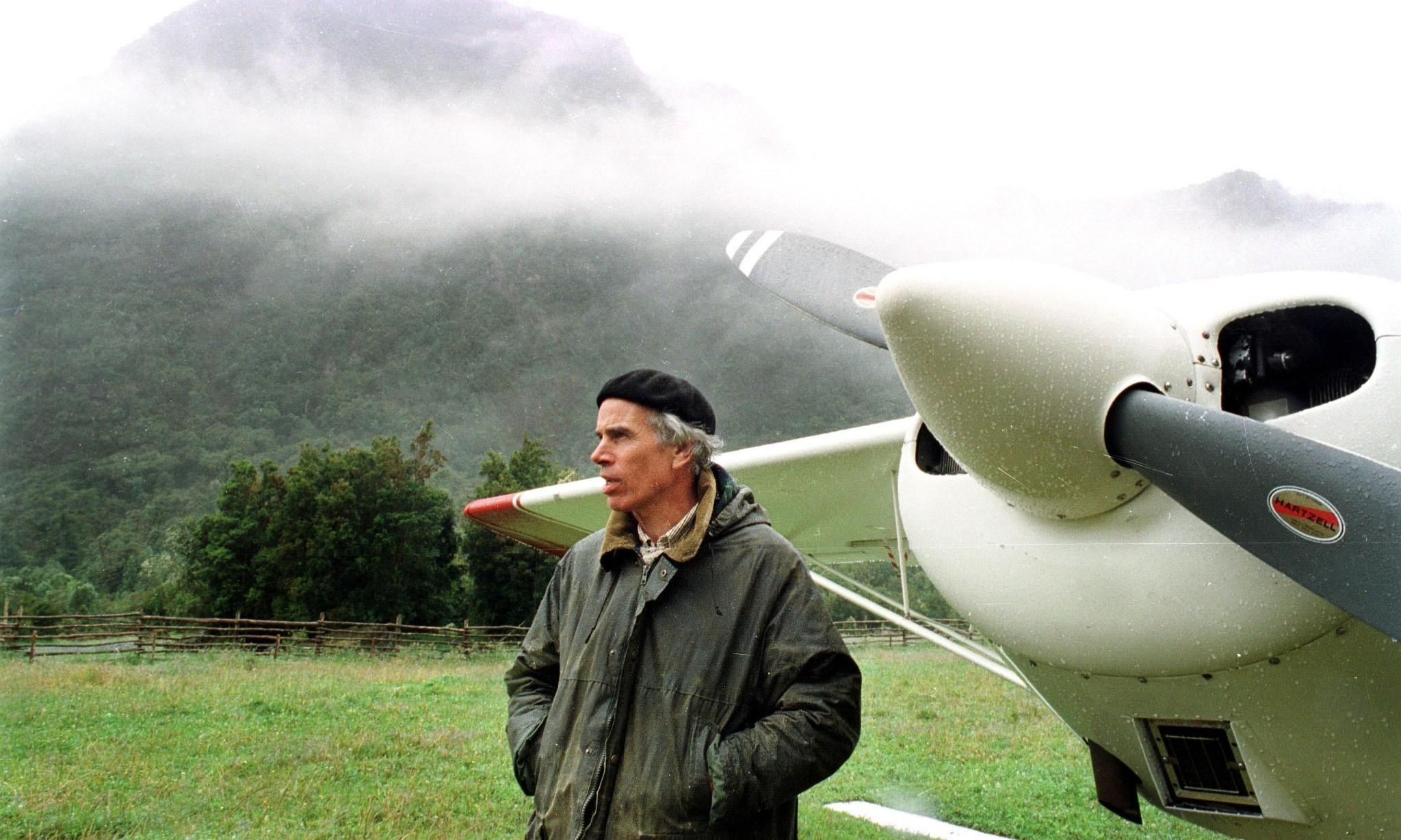 Douglas Tompkins, billionaire behind North Face, dies after kayak accident