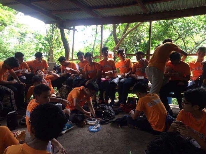 SLR RECHARGING AFTER A TIRING HIKE! Saint Lorenzo Ruiz is eating their lunch at the rest place after their tiring adventure on September 23, 2016.