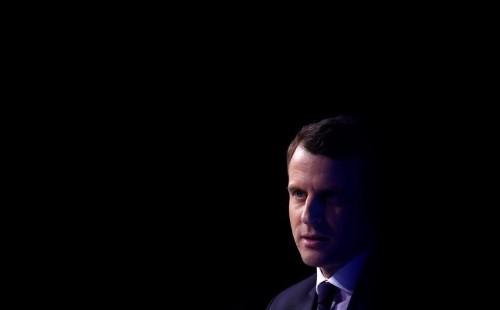 استطلاع: توقع فوز ماكرون على لوبان في الجولة الثانية من الانتخابات الفرنسية