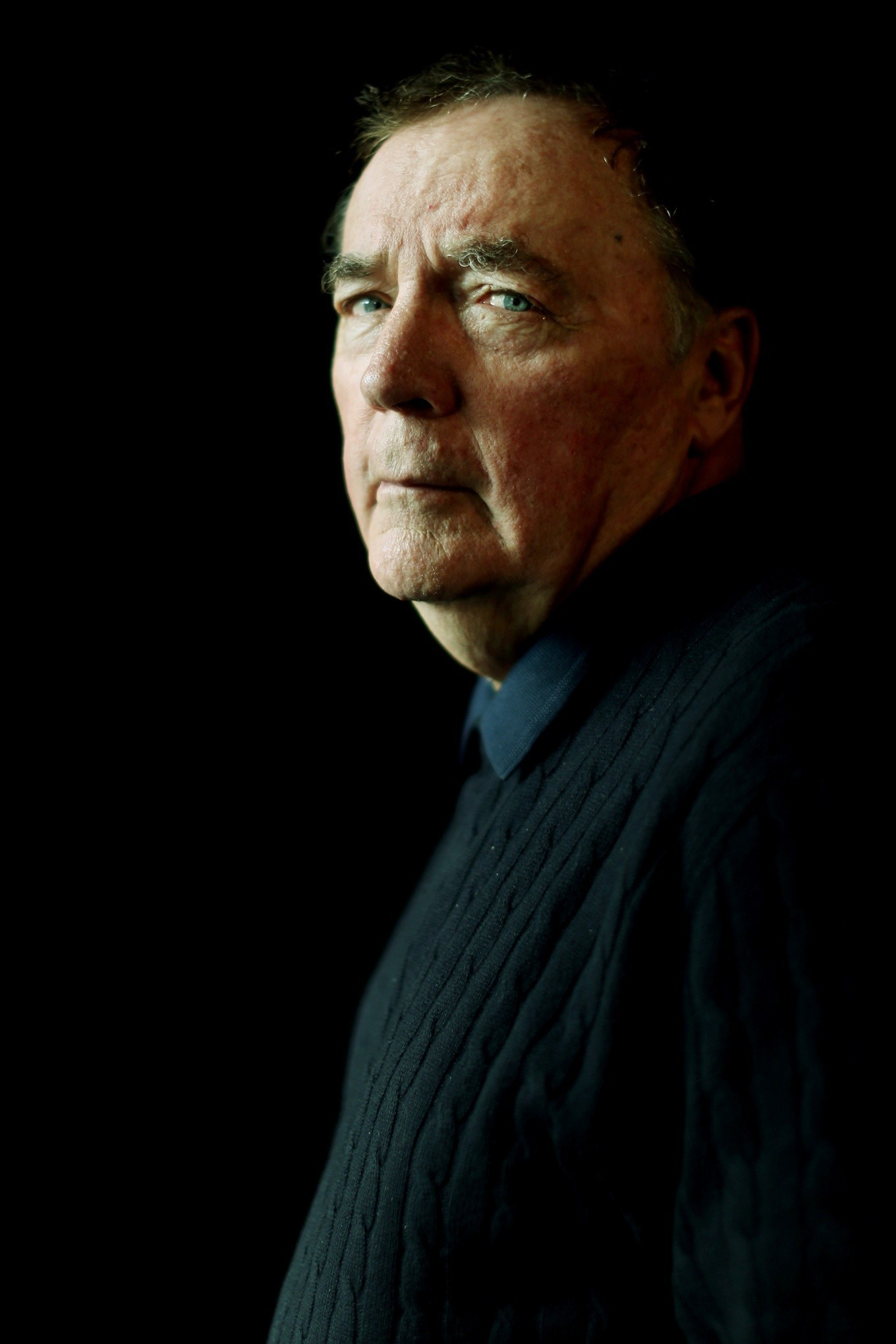 James Patterson gives away £130,000 to independent bookshops