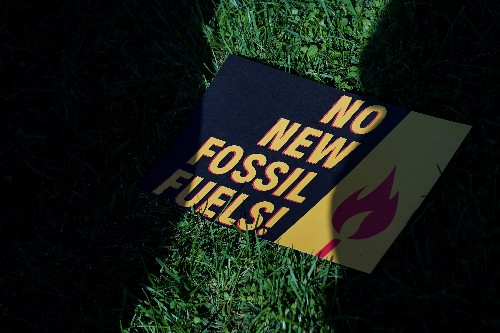 Fossil fuel polluters from U.S. to China far off climate targets: U.N.