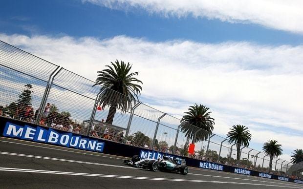 Australian Grand Prix 2015: Lewis Hamilton takes pole on miserable day for Jenson Button