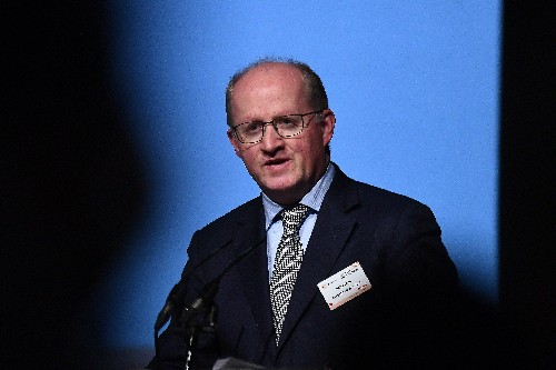Es natural que haya posiciones discordantes sobre estímulos, dice economista jefe del BCE