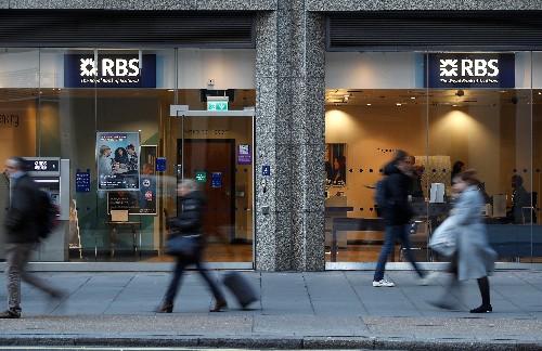Caos político aumenta perjuicios a servicios financieros británicos