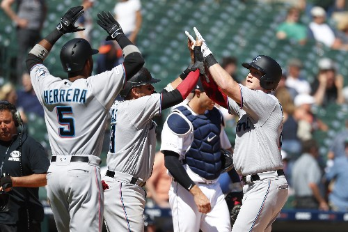 LEADING OFF: Marlins streak the right way, Sale vs Astros