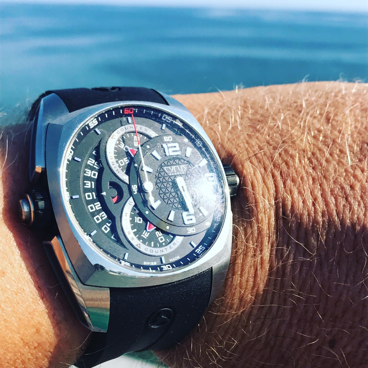 Cyrus Watches Klepcys Chronographe And the sea of ​​Calabria