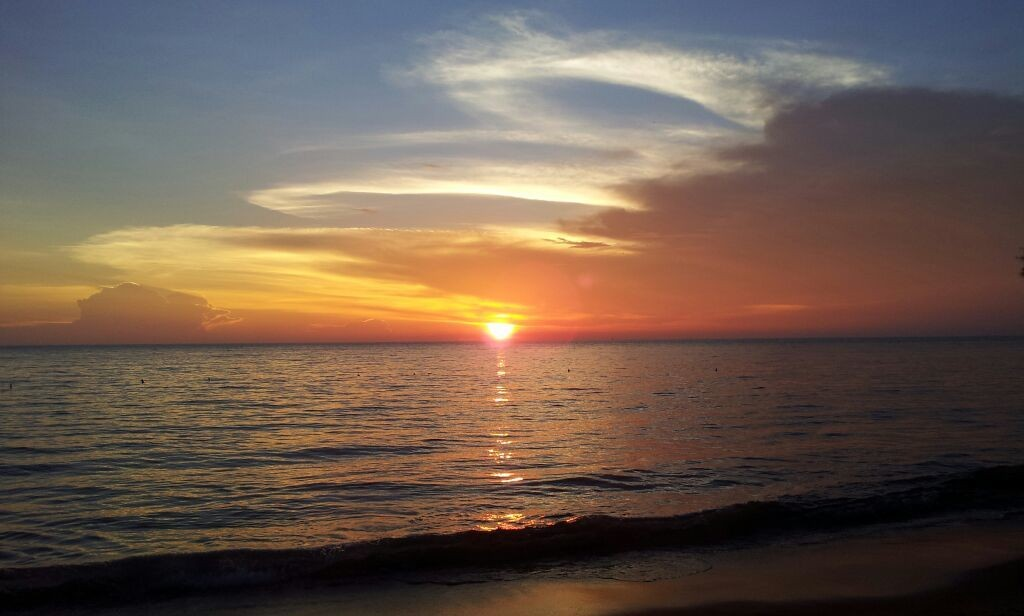 Sunset always can calm down an upset mind , just by looking at it without any thought.....