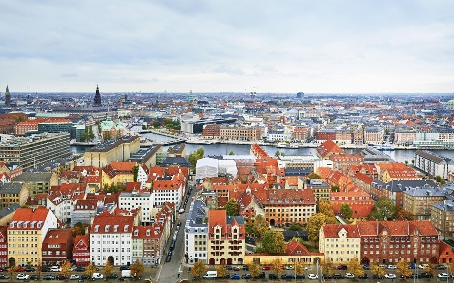 For Americans, European Travel is Getting a Whole Lot Cheaper