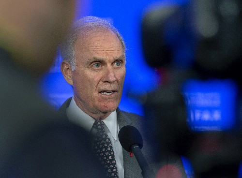 Pentagon chief fires Navy secretary over SEAL controversy