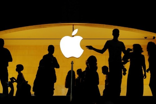 Apple gives U.S. users tool to see what data it has collected