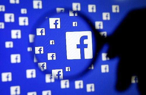 U.S. antitrust chief says past enforcement could presage new probe of current digital giants
